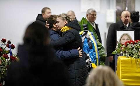 تصاویر : سوگواری اوکراینیها در تشییع جانباختگان حادثه هواپیما