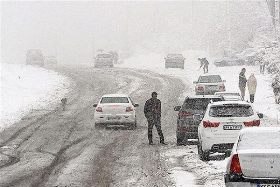 هشدار پلیس: بارش برف در محورهای شمال و شمال غربی کشور / رانندگان زنجیر چرخ به همراه داشته باشند
