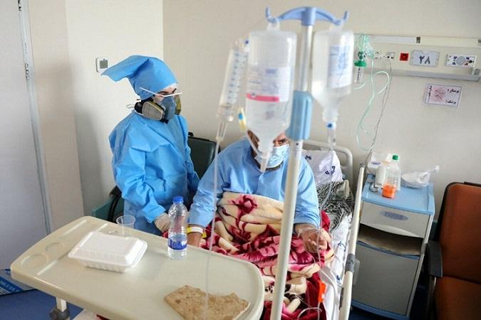 از بیماران مبتلا به کرونا در خانه چگونه مراقبت کنیم؟ / توصیه های «سازمان بهداشت جهانی» را بخوانید / مبتلایانی که پیشینه بیماریهای قلبی، خودایمنی، ریوی مزمن و نارسایی کلیوی دارند، نباید در خانه تحت مراقبت قرار گیرند