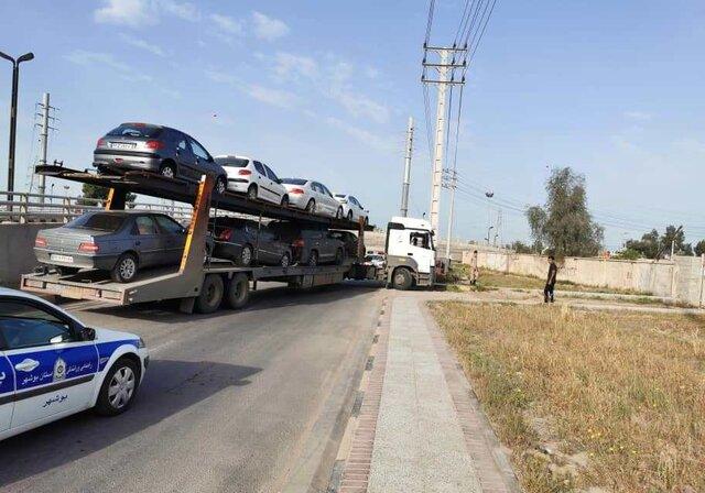 مسافرانی که هوایی به بوشهر آمدند و ماشین هایشان را زمینی به بوشهر انتقال دادهاند