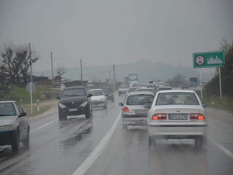 بارش باران در جادههای 10 استان کشور