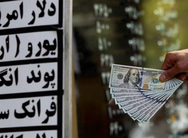 آیا قیمت دلار کاهش پیدا می کند؟ / شقاقی، اقتصاددان: همه چیز به بازگشت ارزهای صادراتی برمیگردد / آمریکا فقط یک گزینه دیگر برای خود باقی گذاشته
