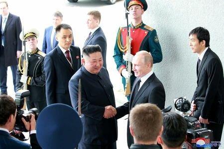 رهبر کره شمالی: صلح در شبهجزیره کره به رفتار آمریکا بستگی دارد/ کیم جونگ اون پوتین را به پیونگ یانگ دعوت کرد