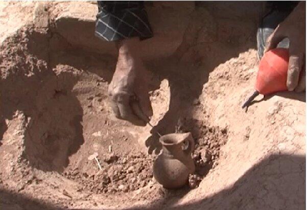ادامه کاوش در گورستان تاریخی سرند هریس/ کشف آثار دوره هزاره اول قبل از میلاد