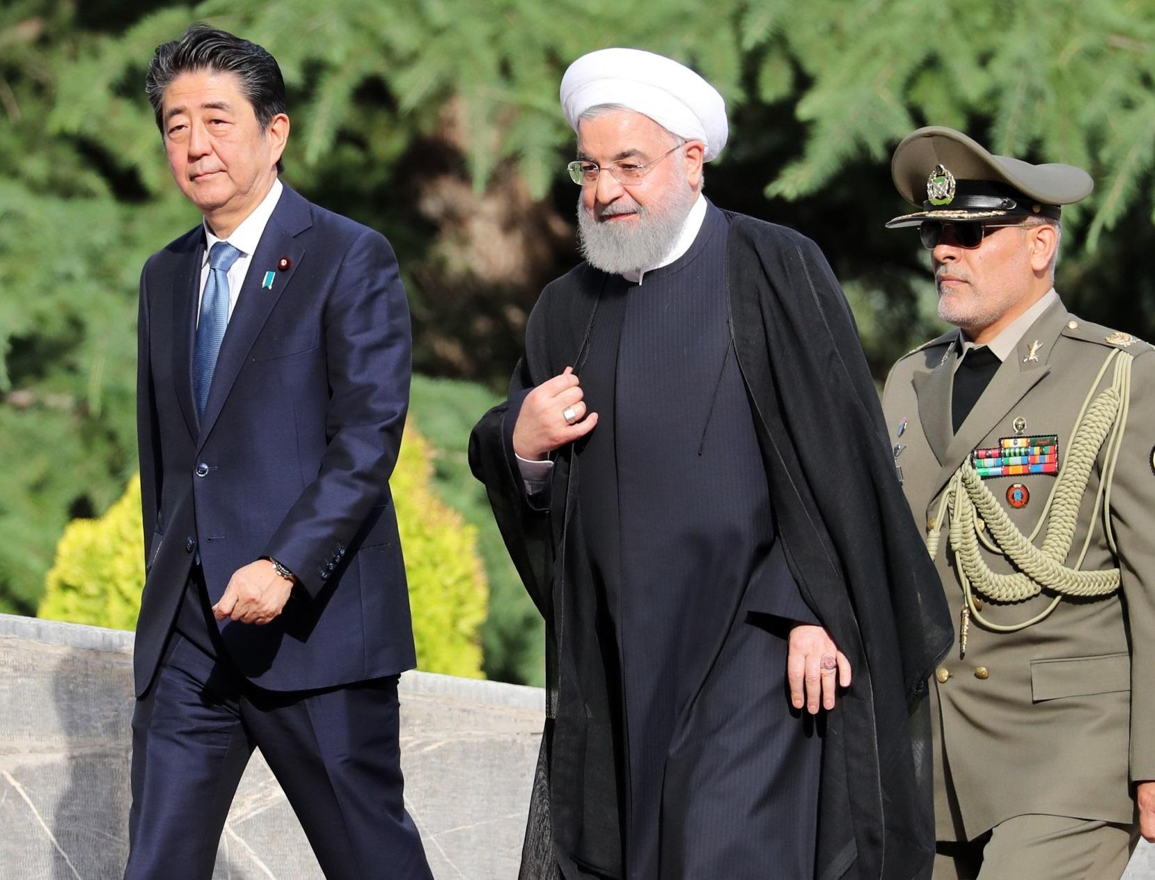مأموریت دشوار آبه در تهران: آتش بس به جای مذاکره؟
