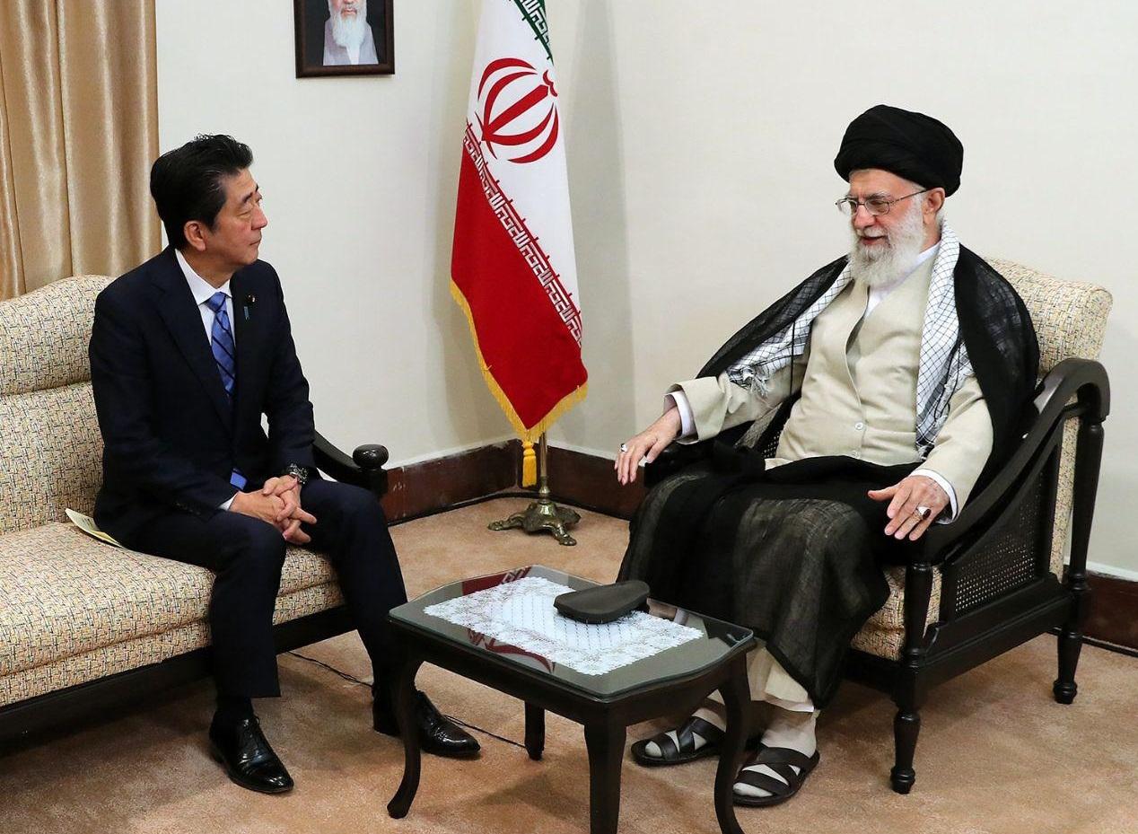 واکنش سخنگوی دولت به ماجرای پاکت زرد همراه نخست وزیر ژاپن در دیدار با رهبر معظم انقلاب: در آن پاکت هیچ پیشنهادی نبود که بردارد و معمولاً هم پیام ها را به این شکل پیشنهاد و پیام را ارایه نمی کنند
