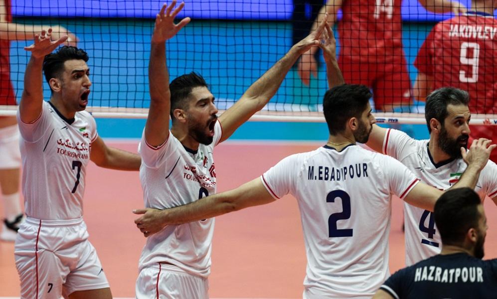 673559 299 - سایت sportklub از قدرتنمایی تیم والیبال ایران در عرصه جهانی و گرفتن جای آمریکا در این رشته ورزشی نوشت.