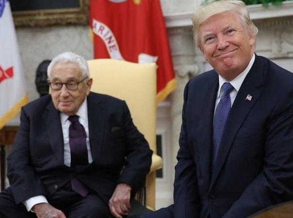 آیا آمریکا در مواجهه با ایران، بر اساس افکار کسینجر عمل میکند؟ / کسینجر: آمریکا باید ایران را شریک اساسی خود قرار دهد