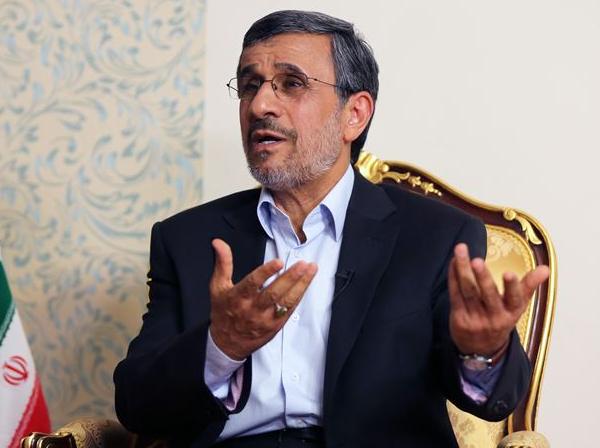 احمدینژاد: درمورد کاندیداتوری در انتخابات، از نظرات مردم تبعیت می کنم / اگر من بودم هرگز زیر بار امضای برجام نمیرفتم / مگر اجماع جهانی علیه ایران وجود داشت؟ معنی قطعنامه، اجماع جهانی نیست / چه چیزی را فریز کنیم؟ همه چیز را از دست دادهایم