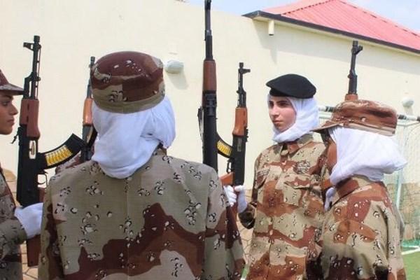 رژه نظامی زنان در عربستان برای اولین بار +عکس