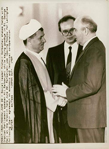 ماجرای کمپین دولت های عرب پیش از سفر آیت الله رفسنجانی به مسکو در ۱۳۶۸ / شوروی به عراق گفته اگر ما به ایران تسلیحات نفروشیم، غرب می فروشد