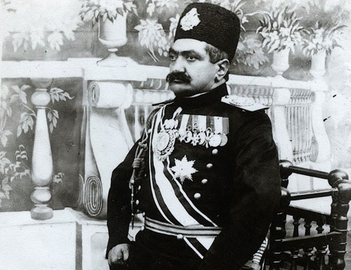شاهزاده ظلالسلطان ناز کرده و از حکومت اصفهان استعفا داده!
