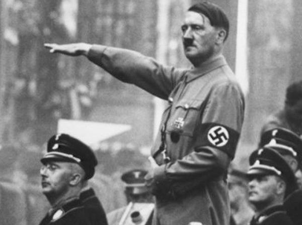 وقتی هیتلر دستور حمله به شوروی را صادر کرد، ۸۰ دارو از جمله تریاک به او تزریق شده بود / پزشکِ هیتلر، کوکائین را به صورت محلول در قطره چشم، به جسم هیتلر میخوراند