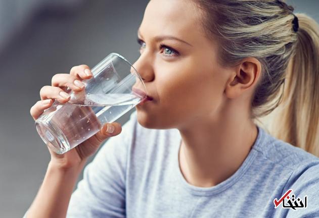 از شایعه تا واقعیت: آیا نوشیدن آب در صبح واقعا برای سلامتی مفید است؟