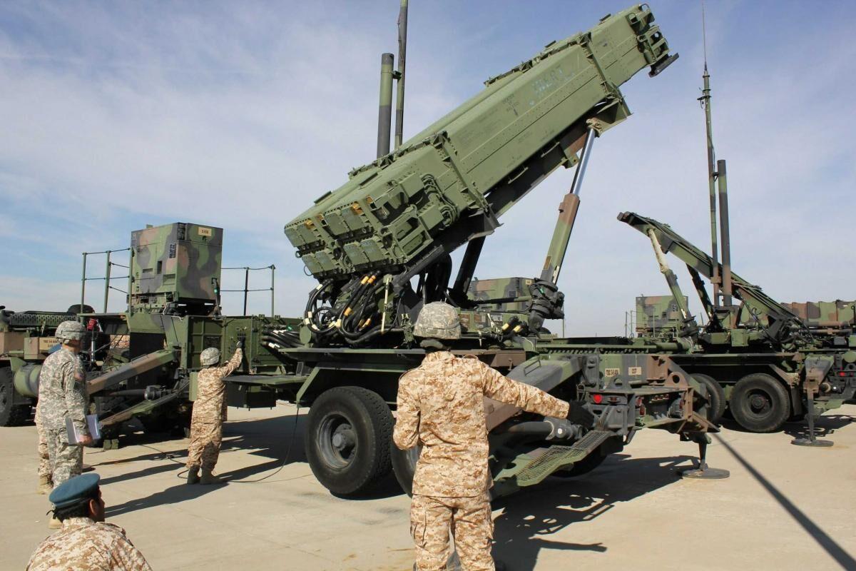 آمریکا از تخلیه پایگاههای نظامی خود در عراق چه هدفی دارد؟ / آیا آمریکا در سودای آغاز جنگی فراگیر در عراق است؟ / آیا کودتای آمریکایی در بغداد در حال برنامهریزی است؟