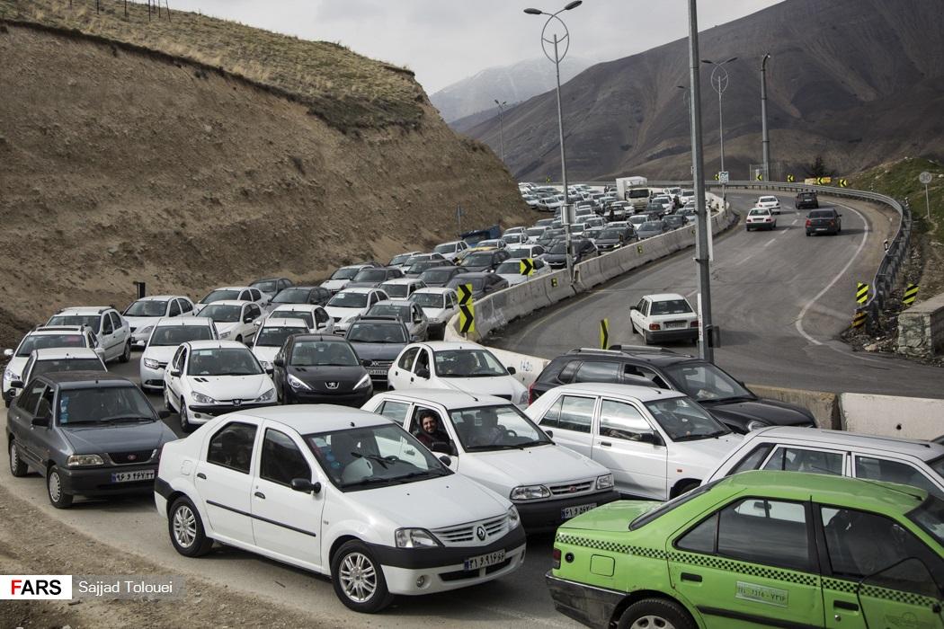 تصاویر: ترافیک کیلومتری در جاده لواسان