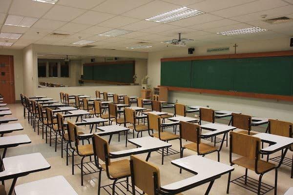 معاون وزیر علوم: یک و نیم میلیون صندلی بدون دانشجو در دانشگاهها داریم