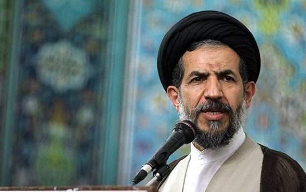 خطیب جمعه تهران: نافرمانی شخص اول آمریکا از نهادهای ملی و امنیتی نشانه افول لیبرال دموکراسی در این کشور است