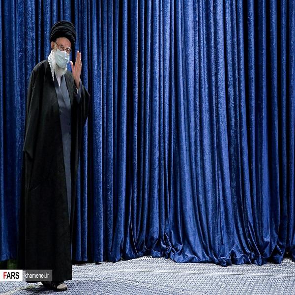 تصاویر: سخنرانی تلویزیونی رهبر انقلاب در سالروز قیام ۱۹ دی مردم قم