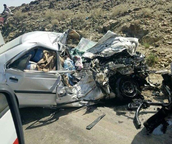 ۳ کشته به دلیل برخورد خودرو با تیرچراغ برق