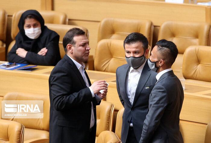 عکس/ رعایت نشدن پروتکلها و بینظمی در مجمع انتخاباتی فدراسیون فوتبال