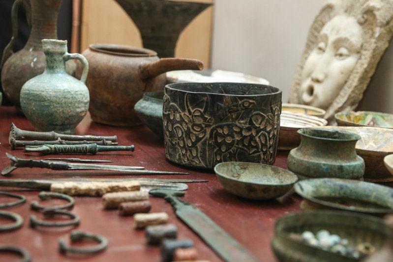 کشف ۱۵۰ قطعه تاریخی در یزد