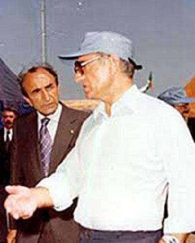 شاهنشاه فرمودند: به شیعیان لبنان محرمانه کمک پولی و اسلحه بکنیم