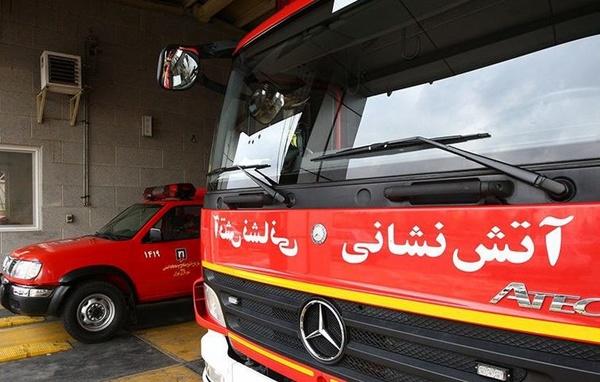 خروج خودروهای آتشنشانی از آشیانه