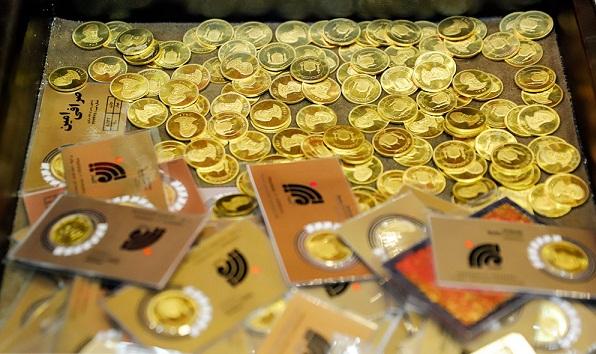 کیف حاوی ۴۰۰ سکه طلا متعلق به صرافی پسرعموی مدیرعامل هفت تپه! | سایت انتخاب