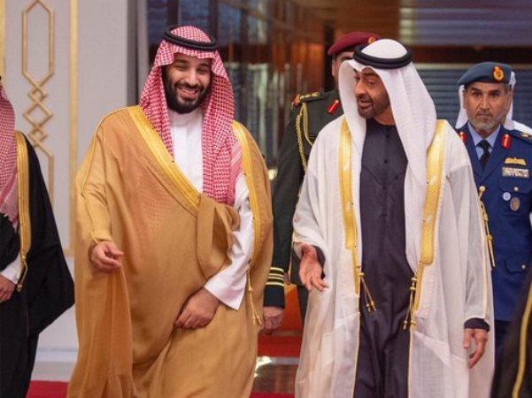 انتقاد شدید روزنامه «العربی الجدید» از عربستان و امارات: با این هزینههای صدها میلیاردی، نمیتوانید ۱۵ میلیارد دلار هم برای نجات بیروت خرج کنید تا شاهد توهین مکرون به لبنان نباشیم؟