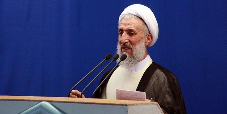 خطیب جمعه تهران: فشار اقتصادی حاصل نادانی افرادی است که چشم به دشمن دوختند / رفتن به بهشت تحمل می خواهد