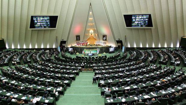 جزییات طرح تازه خودرو برای نمایندگان: ایرانی است و باید به مجلس پس داده شود