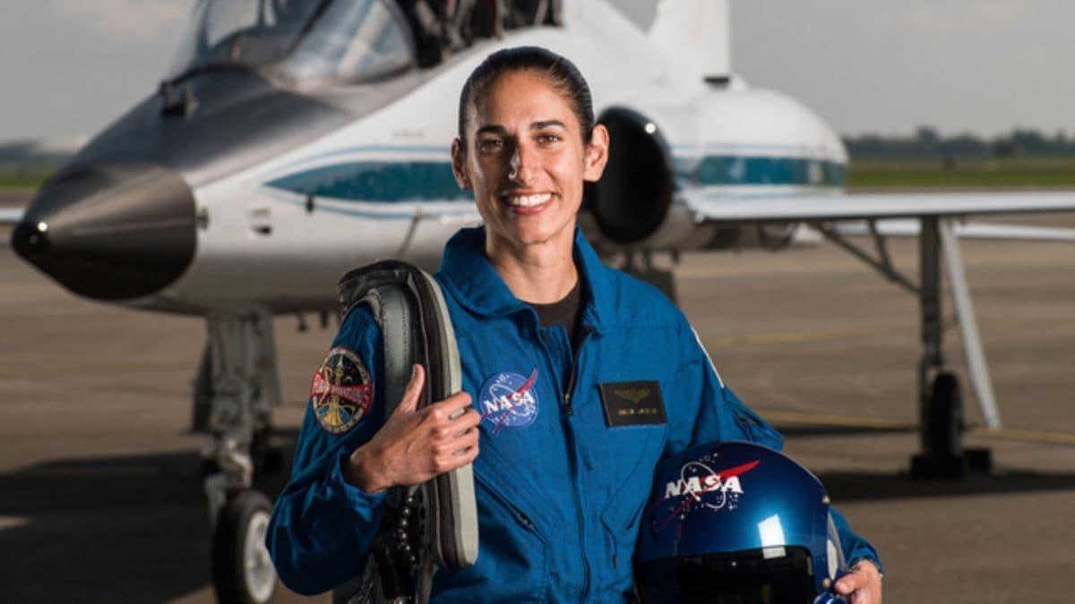 مشاور ناسا: شاید نخستین زنی که پا بر کره ماه میگذارد یک ایرانی باشد