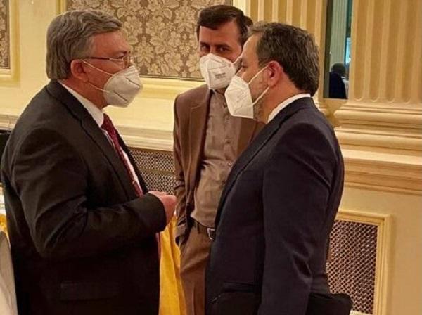 نماینده روسیه: ایران و ۱+۴ پیشنویس توافق را آماده میکنند