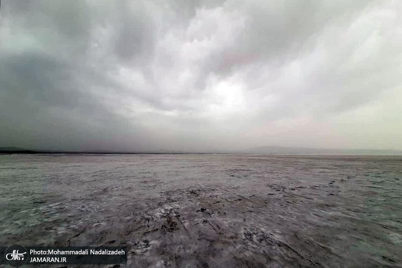 خشکی «حوض سلطان»/خطر طوفان نمک پایتخت را تهدید میکند