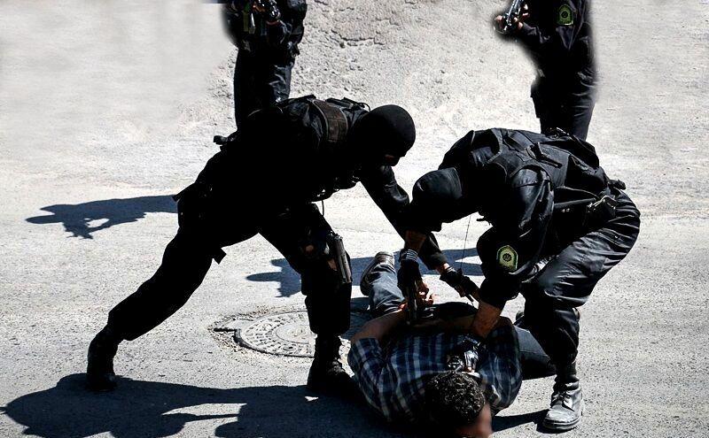 فرمانده انتظامی کرمان: ۳ گروگانگیر مسلح در نرماشیر دستگیر شدند