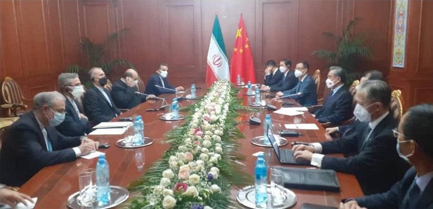 دیدار وزرای خارجه ایران (IRAN) و چین در اجلاس شانگهای؛ امیرعبداللهیان: تاکید بر پیشبرد روابط ۲ کشور بر اساس موافقتنامه همکاری های ۲۵ ساله / کاخ سفید باید یادبگیرد در مقابل ایران، از لحن تهدیدآمیز استفاده نکند